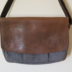 Timbuk2 wool and leather messenger bag